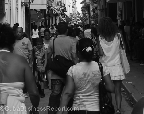 business-havana-people-street