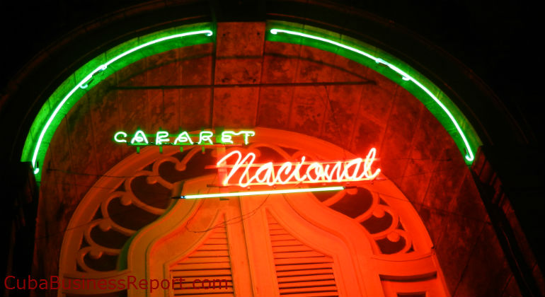 marketing-in-cuba-neon-sign